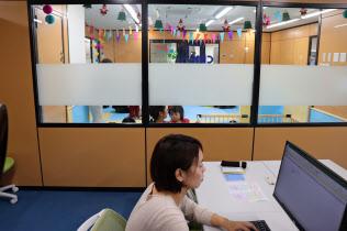 クリエアナブキは託児所併設のオフィスを開設した