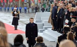 グローバル化の進展で戦争は起きないと思われていた(11月11日、パリで開いた第1次世界大戦終結100年の記念式典)=ロイター
