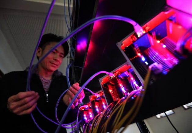 24時間専用の高性能マシンを稼働させるマイニングには大量の電気を使う(石川県加賀市)