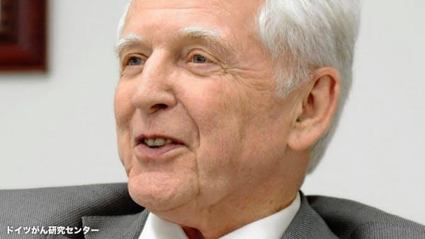 ノーベル賞・本庶氏、独ハウゼン氏「免疫療法の道開いた」と評価