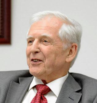 独がん研究センターのハラルド・ツア・ハウゼン名誉教授(ドイツがん研究センター提供)