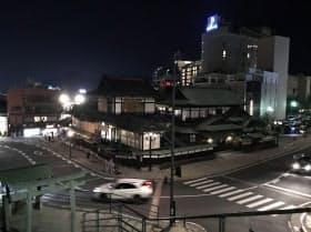 「見せる工事」で集客を目指す道後温泉本館(松山市)