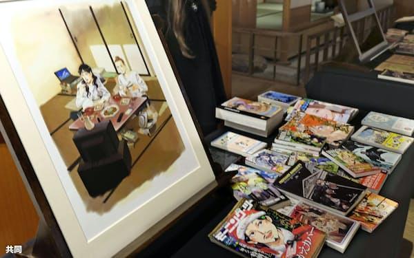 大英博物館が所蔵する漫画「聖☆おにいさん」の原画(5日、ロンドン)=共同