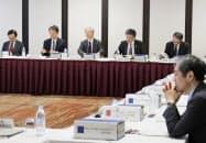 教員の働き方改革を議論した中教審の特別部会(6日、東京都千代田区)=共同