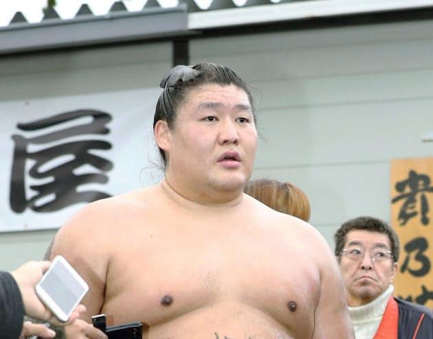 貴ノ岩が引退へ 付け人の弟弟子に暴行(写真=共同)