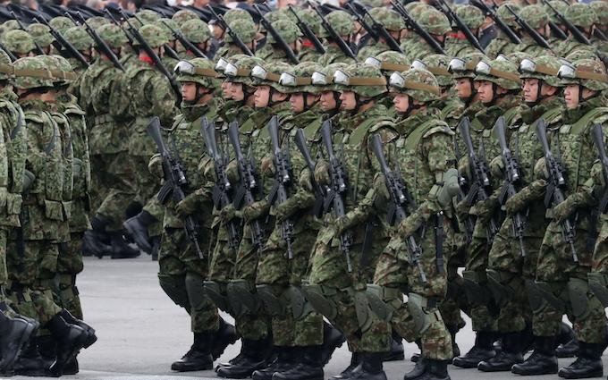 自衛隊、陸海空の統合強化へ新組織 与党が大筋了承: 日本経済新聞