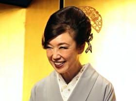 第66回菊池寛賞の贈呈式で笑顔を見せる松任谷由実さん(7日午後、東京都内のホテル)=共同