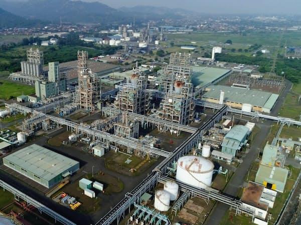 ロッテケミカルは既存の工場の隣接地に新工場を建てる(インドネシア・バンテン州、同社提供)