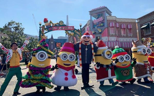 USJは2019年からチケット価格を変動させる(クリスマスの装飾をしたUSJのミニオン・パーク)