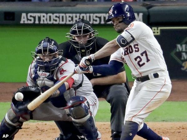 アルトゥーベは16年と17年には24本塁打を放ち、「フライボール革命」の一躍を担う=AP