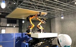 天井パネルの貼り付けを自動でする清水建設の自律型ロボット