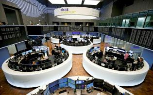 欧州株指数は2016年11月以来の安値を付けた(フランクフルト証券取引所)=ロイター