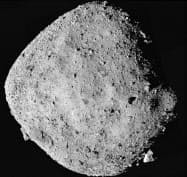 NASAの探査機「オシリス・レックス」が2日に上空24キロから捉えた小惑星ベンヌ=NASA提供・共同