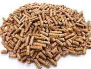 木質ペレットは資材を切り出す時などに出たおが粉などを圧縮して作る固形燃料。