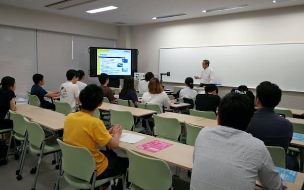 立命館大の「事業継承塾」は大阪府中小企業家同友会から講師を招く