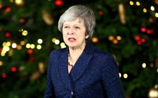 メイ英首相は続投を認められたが、厳しい状況は変わらない=ロイター