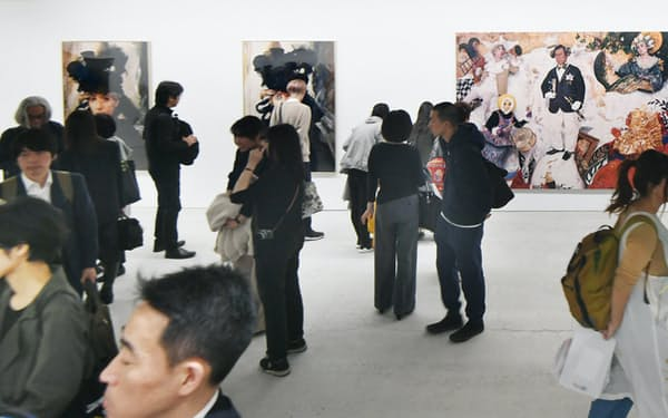 オープニングに多くの人たちが訪れた「モリムラ@ミュージアム」(11月3日、大阪市住之江区)