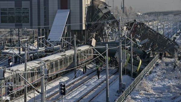 トルコで高速鉄道事故、9人死亡47人負傷