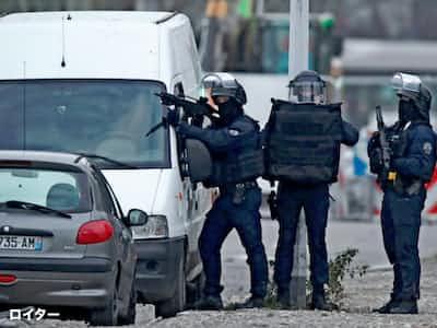 仏東部のテロ事件、容疑者を治安当局が射殺
