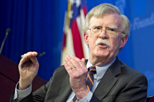 13日、ボルトン米大統領補佐官は「中国政府はアフリカ諸国に債務を負わせて捕虜のようにできる」との見方を示した(ワシントン)=AP