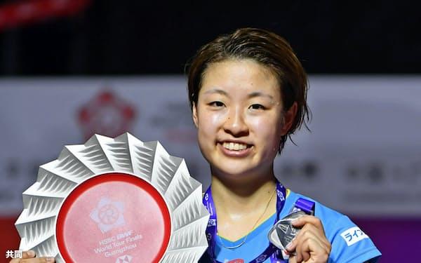 女子シングルスで準優勝した奥原希望(16日、広州)=共同