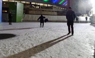 夜、COP24の会場周辺ではしばしば粒の細かい雪が降った