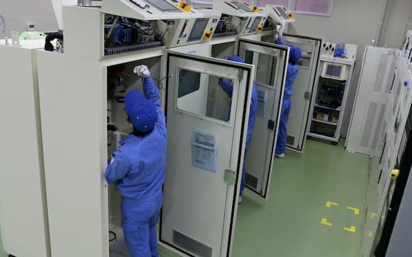特殊ガス供給装置は半導体や液晶工場で使われる