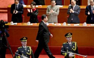18日、改革開放40年の記念式典に出席する習近平国家主席=ロイター