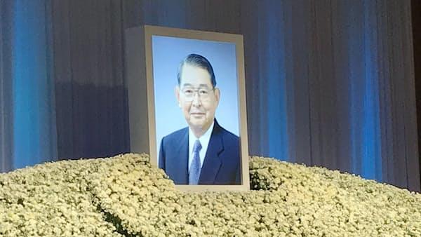 佃氏のお別れの会 1000人が参列、福岡銀元頭取