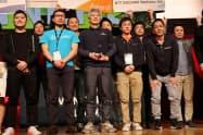 事業モデルを競う「ローンチパッド」ではエアロネクストが優勝した(前列左から3人目が田路圭輔社長)