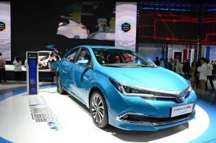 トヨタ自動車の中国合弁が2019年に発売するプラグインハイブリッド車の「カローラ」