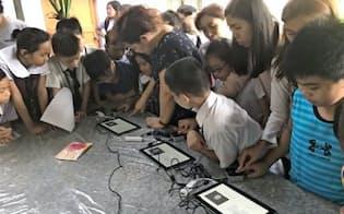 リキッドは東南アジアで生体認証技術の実証実験を実施した(フィリピンでの試験の様子)