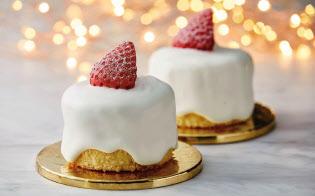 ローソンなどコンビニ各社はお一人様向けクリスマスケーキを相次ぎ販売している