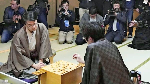 羽生、27年ぶり無冠に 将棋・竜王位を広瀬が奪取