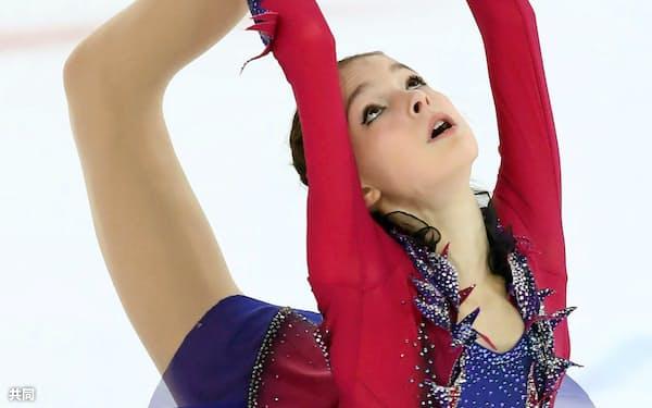 初優勝したアンナ・シェルバコワ(22日、サランスク)=タス共同