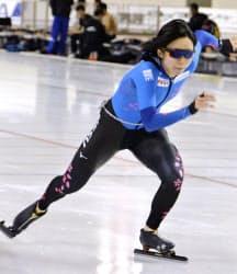 全日本選手権に向け調整するスピードスケート女子の高木美帆(24日、北海道帯広市)=共同