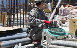 建設業界は4万人を上限に外国人の受け入れを進める(都内の建設現場)