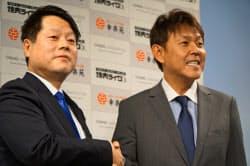 幸楽苑HDの新井田社長(写真左)とダイニングイノベーションの西山会長(同右)
