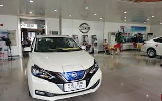 日産自動車の中国での9月の新車販売台数は20カ月ぶりにマイナスになった(広東省広州市の販売店)