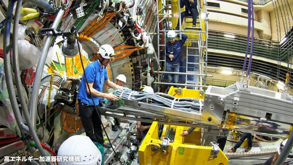 ノーベル賞へ、宇宙の謎探る国際競争号砲 実験相次ぐ