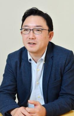 慶応義塾大学大学院政策・メディア研究科修了。三菱総合研究所を経て現在、慶応大院特任准教授、企(くわだて)代表取締役。企業の戦略立案や政府プロジェクトを支援している。43歳。