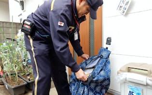 日本郵便は繁忙期の12月末まで「置き配」の実験を続ける(東京都杉並区)