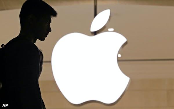 アップルは米中摩擦の激化や中国景気の減速が株価の重荷となった=AP