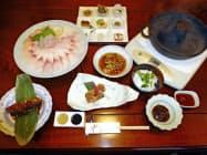 日本料理店「正月荘」のコイのフルコース(福島県郡山市)=共同