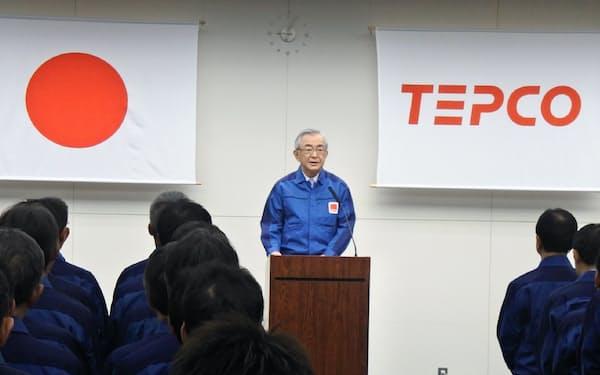 年頭挨拶をする東京電力ホールディングスの川村隆会長(4日、東京都千代田区)