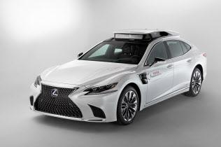 トヨタは米国で新型の自動運転の実験車を投入する