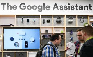 グーグルは音声AI「アシスタント」の機能をあらゆる端末に広げる(8日、米ラスベガス)=目良友樹撮影