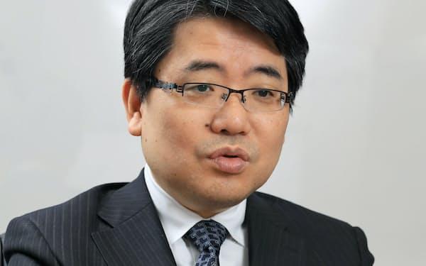 京大学大学院の岩下直行教授は「実績づくりを注視すべき」と語る