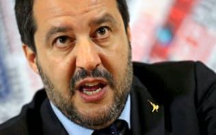イタリアの極右政党「同盟」を率いるサルビーニ副首相=ロイター