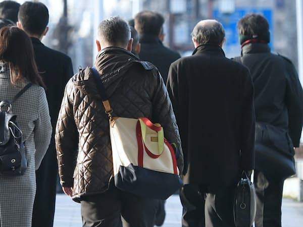 民間調査では74%が70歳以上まで働きたいと答えた